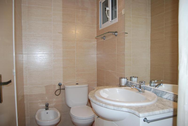 salle de bain 2 Location Maison 82099 L'escala