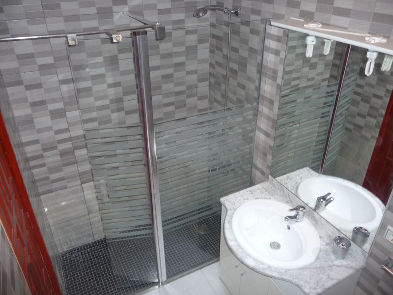 salle de bain 1 Location Maison 82099 L'escala