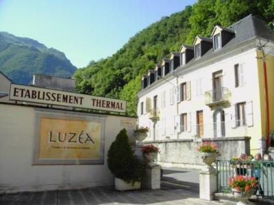 Vue ext�rieure de la location Location Studio 82564 Luz Saint Sauveur