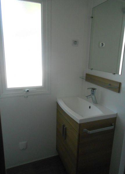 salle de bain 1 Location Mobil-home 90517 Vias Plage