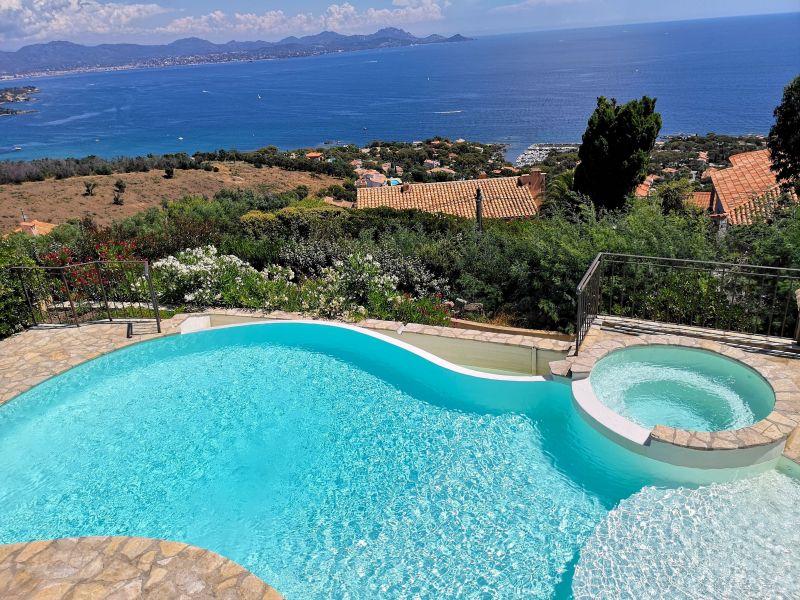 Vue de la terrasse Location Villa 90962 Les Issambres