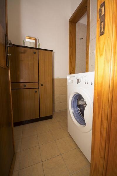 salle de bain 2 Location Villa 92878 Torre Vado