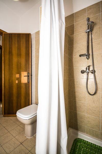Salle d'eau 1 Location Villa 92878 Torre Vado