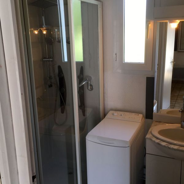 salle de bain Location Maison 93132 Meschers