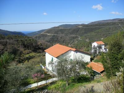 Vue ext�rieure de la location Location Maison 95202 Deiva Marina
