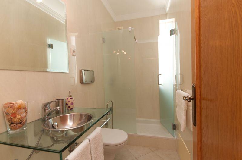 salle de bain 1 Location Maison 98350 Albufeira