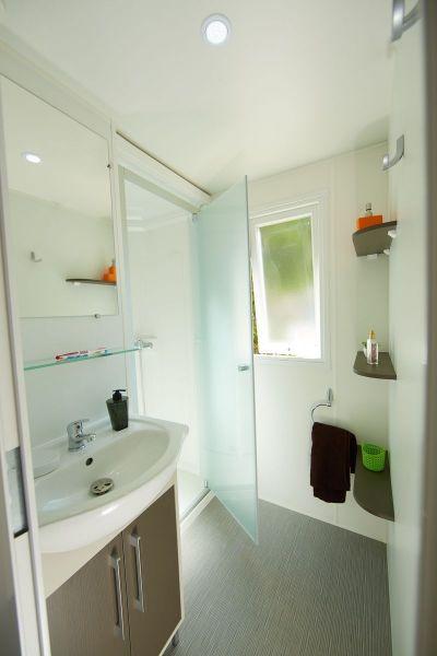 salle de bain 1 Location Mobil-home 102122 Blois