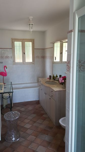 salle de bain 1 Location Villa 103815 Les Issambres