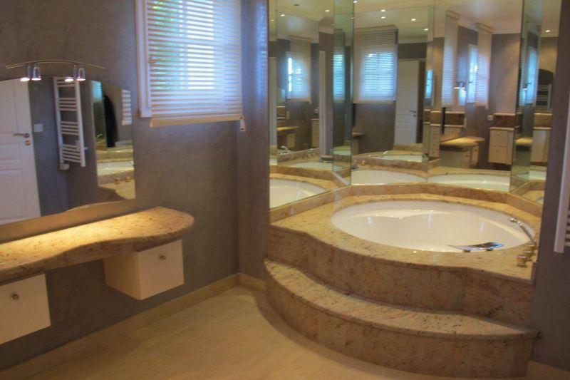 salle de bain Location Villa 107401 Lodève
