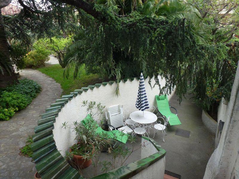 Cour Location Appartement 108645 Collioure