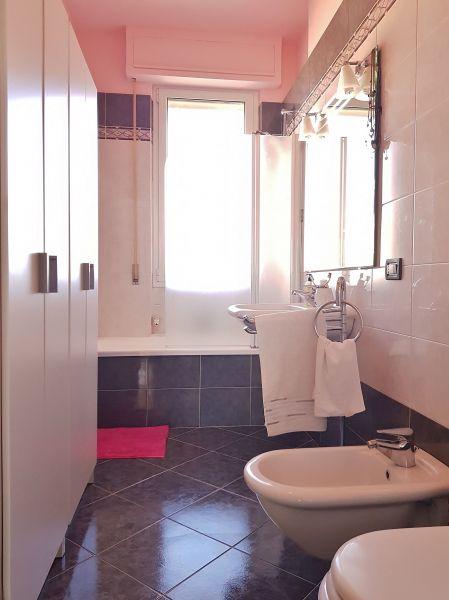 salle de bain Location Appartement 117780 Vallecrosia