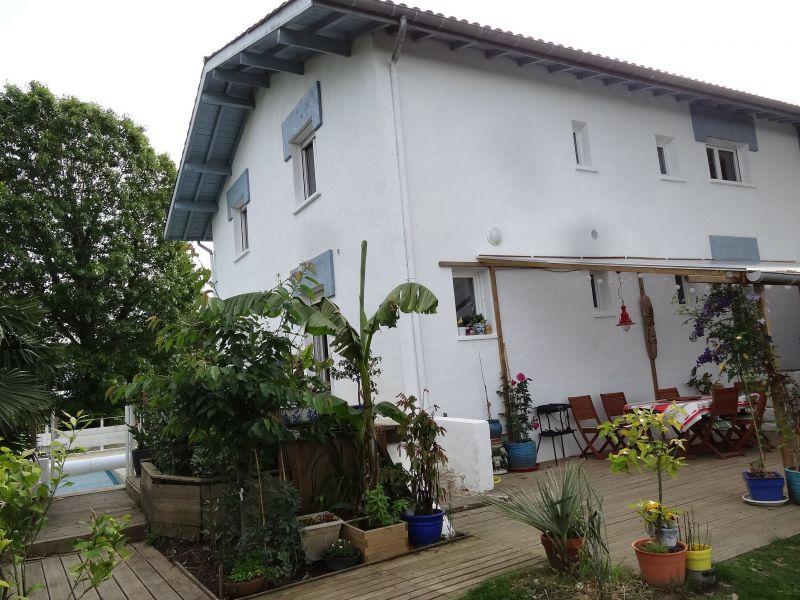Vue extérieure de la location Location Maison 118183 Bidache