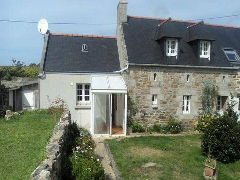 Vue extérieure de la location Location Maison 119729 Audierne
