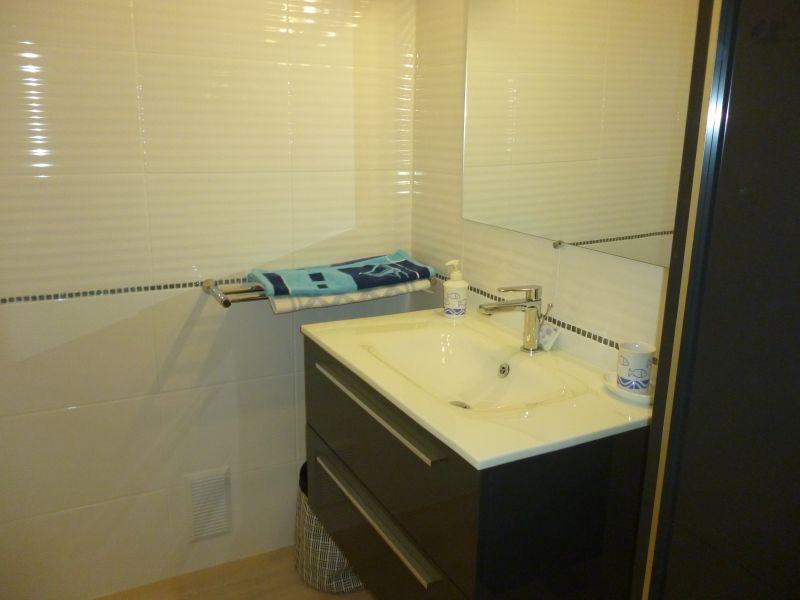 salle de bain Location Appartement 77505 Quiberon