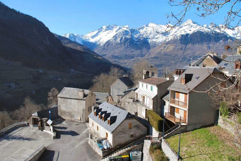 Vue extérieure de la location Location Appartement 78239 Luz Saint Sauveur