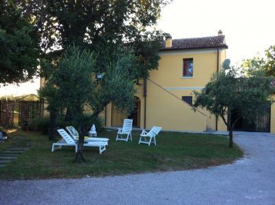 Vue ext�rieure de la location Location Appartement 78655 Pesaro