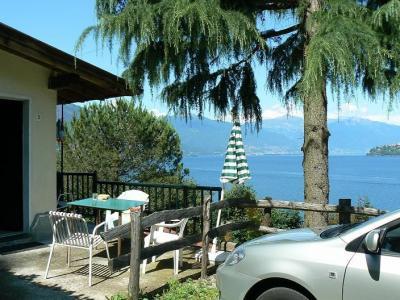 Vue de la terrasse Location Studio 79108 Cannobio