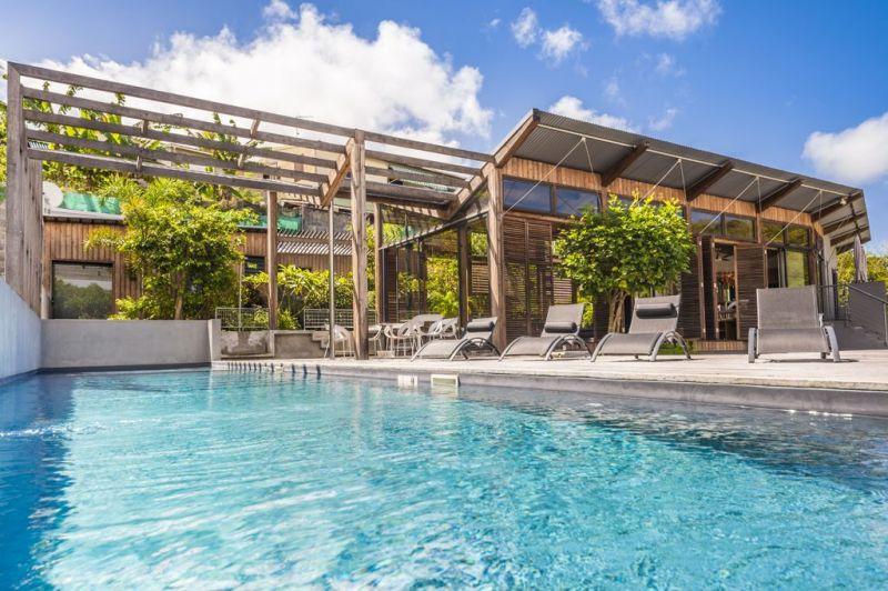 Vue extérieure de la location Location Chambre d'hôte insolite 93210 Gosier (Guadeloupe)