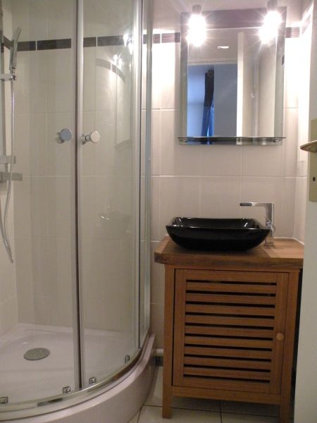 salle de bain Location Appartement 93696 Saint Georges de Didonne