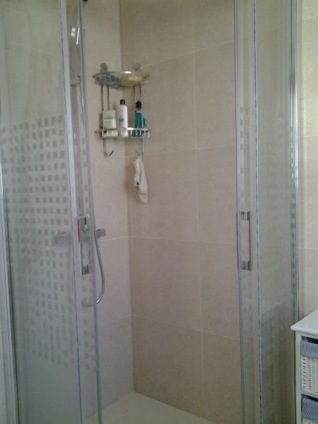 salle de bain Location Appartement 94318 Rosas