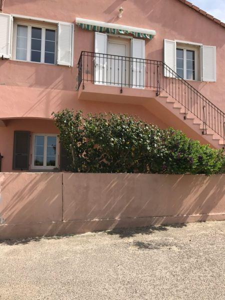 Vue extérieure de la location Location Maison 99555 Calvi