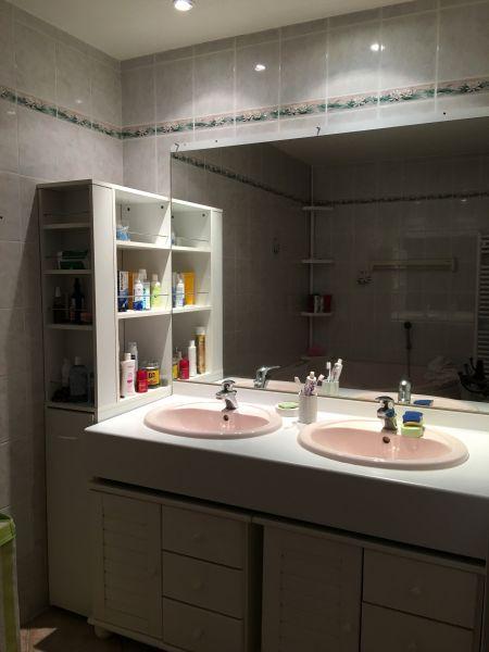 salle de bain Location Appartement 107736 Annecy