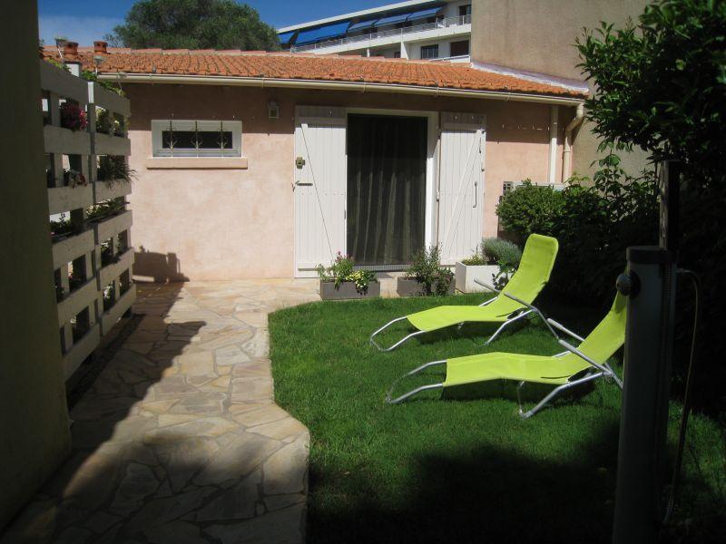 Jardin Location Gite 113184 La Seyne sur Mer