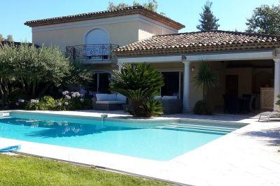 Vue extérieure de la location Location Villa 113759 Mougins
