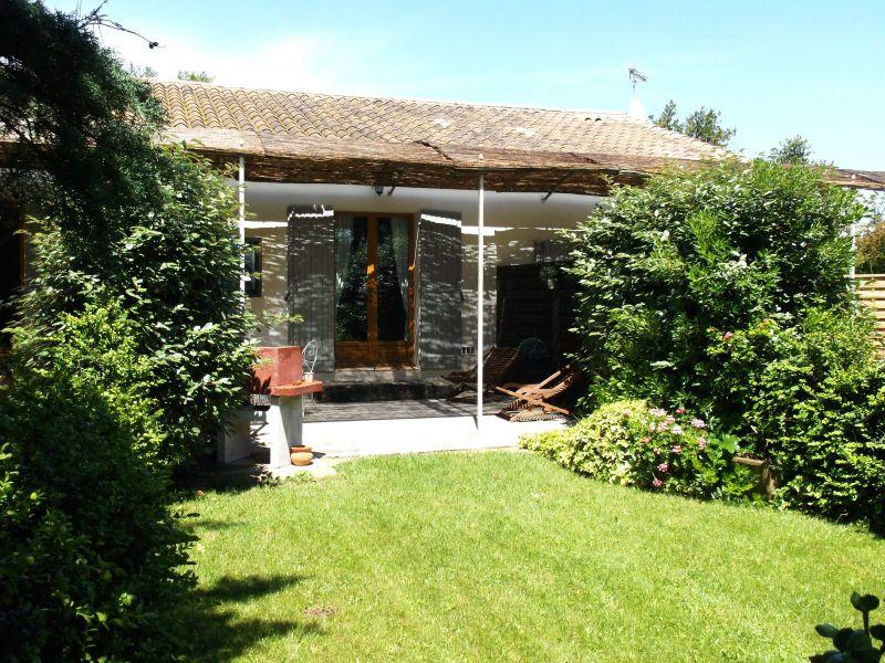 Vue de la terrasse Location Gite 118685 Saint Rémy de Provence