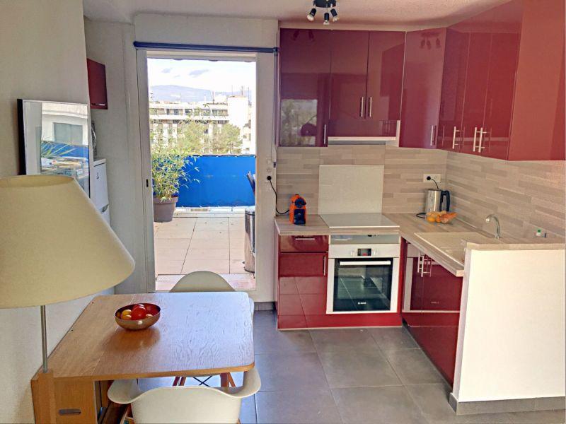 Cuisine d'été Location Appartement 118703 Antibes