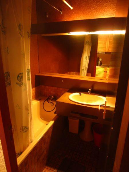salle de bain Location Studio 80079 Piau Engaly