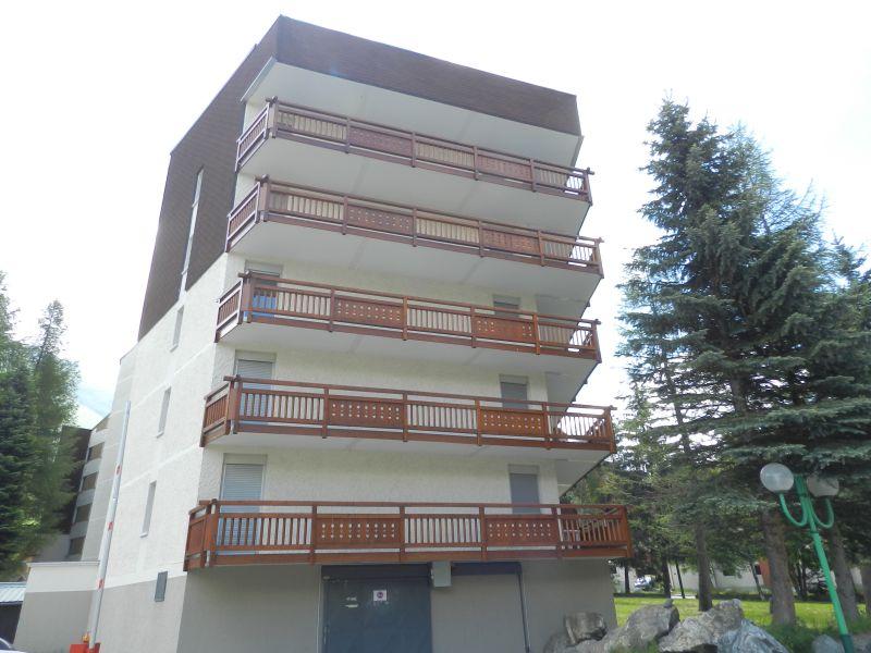 Vue extérieure de la location Location Studio 88307 Les 2 Alpes