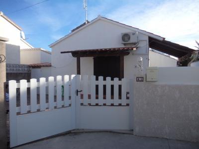 Vue extérieure de la location Location Villa 92737 Rosas
