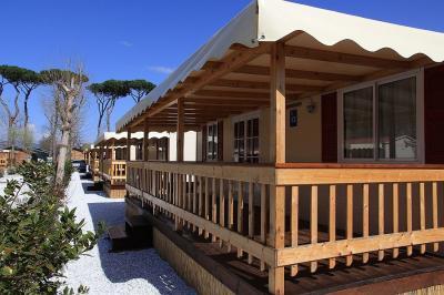 Vue ext�rieure de la location Location Mobil-home 93402 Viareggio