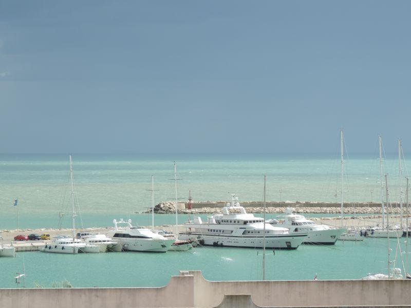 Vue de la terrasse Location Appartement 103248 Marina di Ragusa