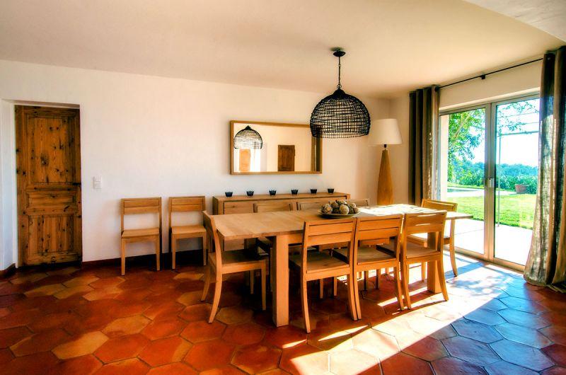 Salle à manger Location Villa 103264 Sainte Maxime
