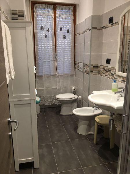 salle de bain Location Appartement 104858 Lerici