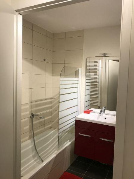 salle de bain Location Appartement 110536 Thonon Les Bains