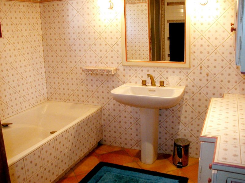 salle de bain Location Maison 113130 Avignon