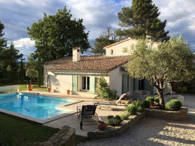 Vue extérieure de la location Location Villa 114669 Aix en Provence