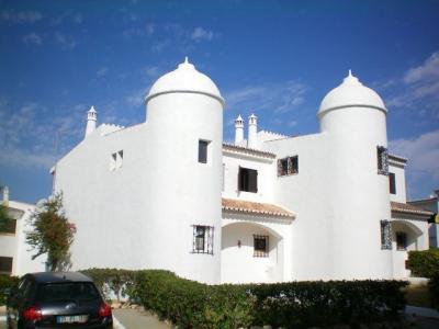 Vue ext�rieure de la location Location Villa 94283 Arma��o de Pera
