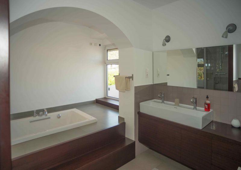 salle de bain 1 Location Villa 95047 Barcelone