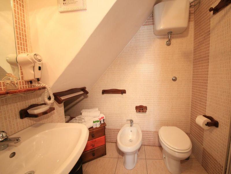 salle de bain Location Maison 99596 Monopoli