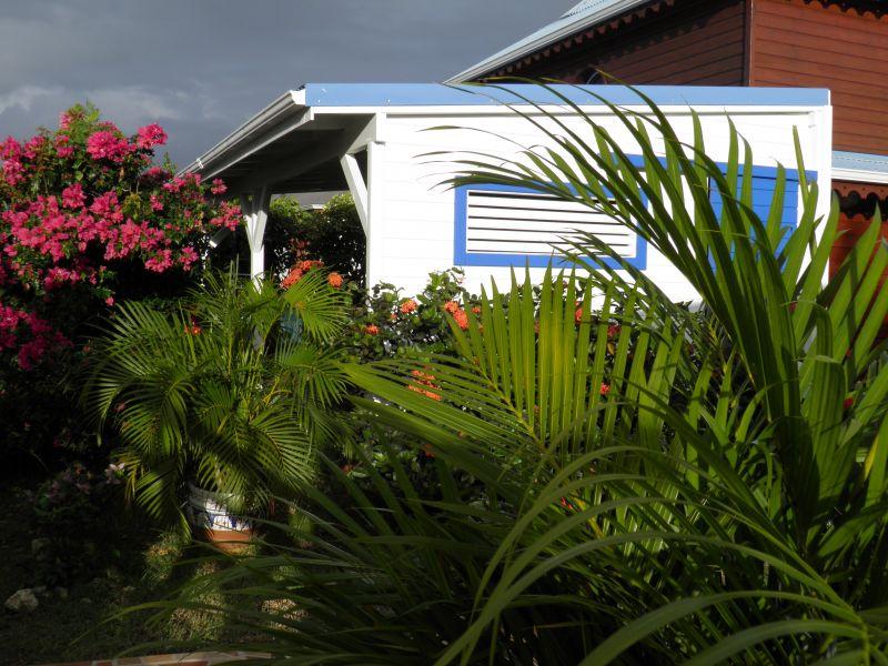 Vue extérieure de la location Location Villa 100796 Le Moule