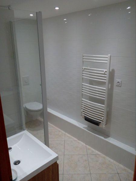 salle de bain Location Appartement 106600 Thollon Les Mémises