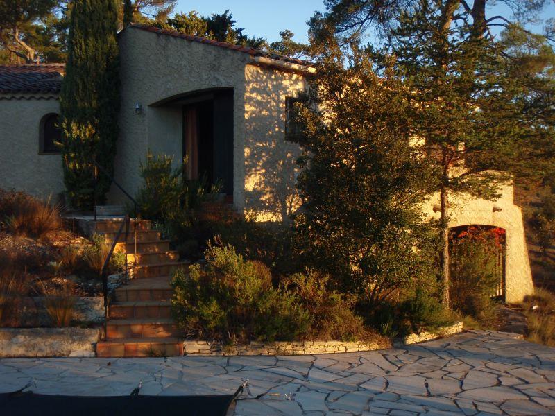 Vue extérieure de la location Location Villa 108016 Esparron-de-Verdon