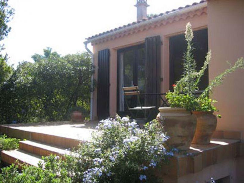 Vue extérieure de la location Location Villa 111454 Giens