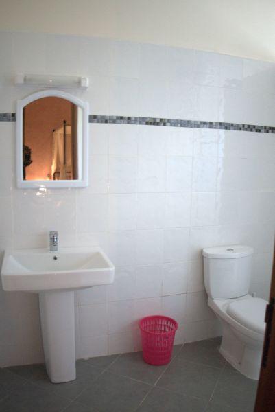 salle de bain Location Appartement 112144 Saly