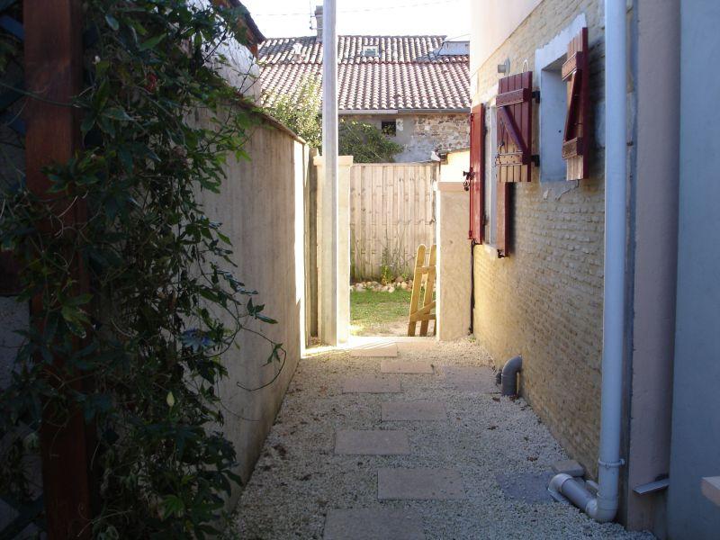 Cour Location Maison 118590 Arcachon