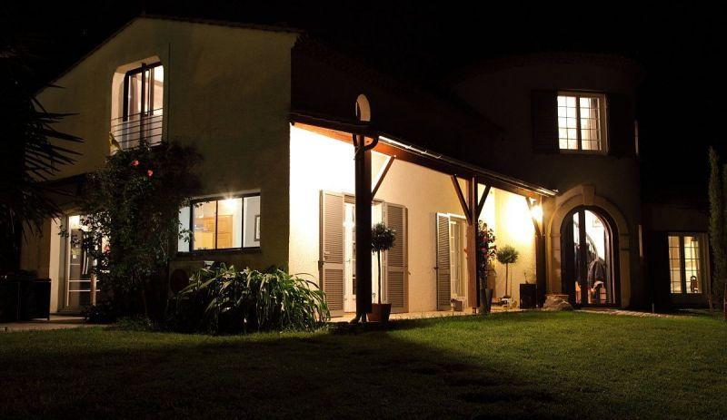 Vue extérieure de la location Location Villa 118912 Bordeaux